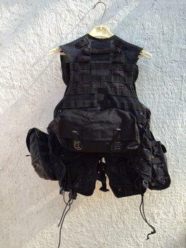 Tactical modulair molle OPS vest zwart met 8 pouches uit het leger, marine.
